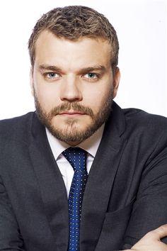 "Johan Philip ""Pilou"" Asbæk is a Danish actor. He plays Casper in Borgen. Male actor, beard, celeb, sexy, cute, hot, powerful face, intense eyes, portrait, photo"