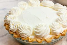 Looking to make whipped icings like the bakery that don't turn into a melty mess on your beautiful cake? Stabilized Whipped Cream is your answer! Stabilized Whipped Cream Frosting, Whipped Cream Desserts, Keto Whipped Cream, Making Whipped Cream, Recipes With Whipping Cream, Whipped Frosting, Homemade Whipped Cream, Best Banana Pudding, Banana Pudding Recipes