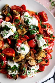 """In celebration of a """"Summer of Sauvignon Blanc"""" with Geyser Peak Winery, I'm making a rustic herb marinated tomato panzanella salad. Wine Recipes, Salad Recipes, Cooking Recipes, Healthy Recipes, Barefoot Contessa, Panzanella Salad Recipe, Tomato Salad, Marinated Tomatoes, Roasted Tomatoes"""