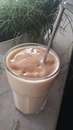 peach smoothie. 1 very ripe peach 1 1/2 frozen bananas 1/2 cup almond ...