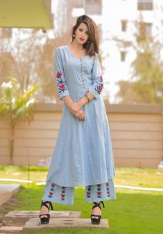 Cotton kurti with superb embroidery motives Simple Kurti Designs, Kurti Neck Designs, Kurta Designs Women, Blouse Designs, Latest Kurti Designs, Long Kurti Patterns, Dress Indian Style, Indian Wear, Indian Designer Suits