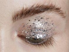 "lamorbidezza: ""Makeup at Delpozo Spring 2016 """