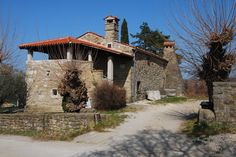 The farmhouse at Sv. Peter – known as Tona's House by the locals – is a unique ethnological monument. As a result of its restoration, the characteristics of the Istrian rural architecture have been preserved, while the depiction of oil-making on its ground floor, as well as the rural kitchen and the bedrom on the upper floor represent a way of life of the Istrian farmer in the past.
