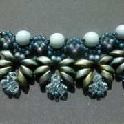 Magical Magatamas - perlenschmuck Magatamas said, 6mm Pearls o similar beads, 4mm bicone and 8 °, 11 ° and 15 °