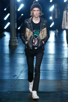 See the complete Saint Laurent Spring 2016 Menswear collection.