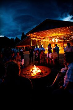 Bon fires are great! Time to kick back, have a few drinks, and party. Oh, bring the Led Zeppelin music!// pre-wedding -> day before festivities Farm Wedding, Dream Wedding, Wedding Bonfire, Camping Wedding, Wedding Stuff, Wedding Dress, Barn Dance Party, Barn Parties, Bonfire Night