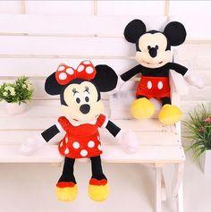 A gagner : 10 jouets et peluches Minnie & Mickey   Coucou bonjour voici les réponses fini le 15 aout:     Pluto     Rose à pois blancs     Donald Bonne chance