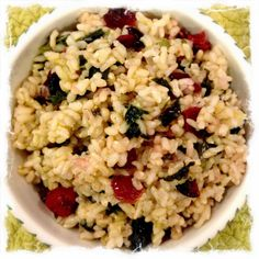 Sweet Brown Rice w/Dried Cranberries & Garlic Kale Vegetarian Recipes, Healthy Recipes, Healthy Salads, Yummy Recipes, Healthy Food, Vegan Rice Dishes, Garlic Kale, Dried Cranberries, Going Vegan