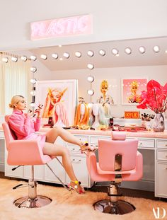 furniture design Kylie Jennerwearing a Frame sweater, a Staud skirt, Fendi shoes, Brumani earrings, and a Shay Fine Jewelry braceletin her glam room. Fashion styling by Jill Jacobs. Neon artwork by Beau Dunn. Kylie Jenner for Architectural Digest Architectural Digest, Kylie Jenner Haus, Kylie Jenner Beauty Room, Kylie Jenner Bedroom, Kris Jenner Home, Kendall Jenner House, Sala Glam, Home Design, Home Interior