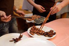 """Buďte originální, překvapte přátele """"Asií na grilu"""" Chocolate Fondue, Beef, Desserts, Food, Asia, Meat, Tailgate Desserts, Deserts, Essen"""