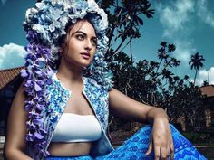 Bollywood's chubby girl Sonakshi Sinha is known for experimenting with her looks. The Dabaang actress will be soon seen in the films 'Force 2′ and 'Akira'. Meanwhile the actress have come up with a photo shoot  on the cover of Harper's Bazaar Bride Magazine.  The actress who is known for her curvaceous figure recently posed for Harper's Bazaar as their cover  and the chubby actress has appeared with Boho Bridal look. @ hdwallposters.com