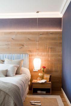Cómo iluminar tu casa sin cometer los errores más habituales Bedroom Closet Design, Interior Decorating, Interior Design, Bedroom Lighting, Hostel, Home Projects, Sweet Home, Rustic, Furniture