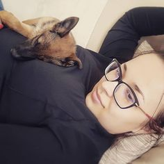 Best place to sleep part I  #sleepyhead #puppylove #dogtag #dogstar #lexithelady #lexithedog #dogstagram #puppytime #bettertogheter