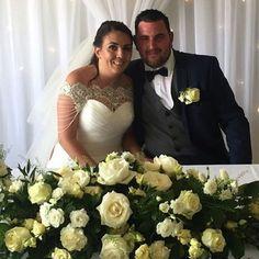 Todays bride & groom  #weddingday #kentflorist #sittingbourneflorist #farleighgolfclub #happycouple #bride2018 #groom2018 #flowersandsparkle #weddingshowroom #weddingfloristkent #flowers #instaflowers