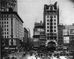 On November 16, 1932, the Palace Theatre in New York City closed its doors to vaudeville. It had been the most famous vaudeville theater in America, but began focusing on movies and live performances instead.
