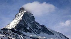 Matterhorn Fósiles, muertos, joyas y hasta un avión: las sorpresas que depara el derretimiento de los glaciares