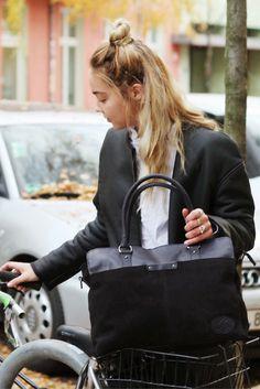 """Stylisch und praktisch begleitet dieser tolle Shopper Dich durch Deinen Alltag. """"Bel"""" bietet dabei Platz, Komfort und Design in einem - eine seltene Mischung."""
