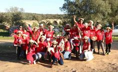 Elvas/Páscoa: Intermarché e Telepizza distribuem chapéus e pizza a elvenses acampados na Ajuda | Portal Elvasnews