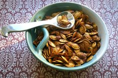 """Toasted Pumpkin Seeds- Two Ways, Savory ( Pepper/Garlic)  and Sweet (Cinnamon Sugar with Apple Cider!) by myretrokitchen <a class=""""pintag searchlink"""" data-query=""""%23Pumpkin_Seeds"""" data-type=""""hashtag"""" href=""""/search/?q=%23Pumpkin_Seeds&rs=hashtag"""" title=""""#Pumpkin_Seeds search Pinterest"""">#Pumpkin_Seeds</a> <a class=""""pintag searchlink"""" data-query=""""%23myretrokitchen"""" data-type=""""hashtag"""" href=""""/search/?q=%23myretrokitchen&rs=hashtag"""" title=""""#myretrokitchen search Pinterest"""">#myretrokitchen</a>"""