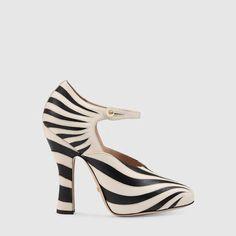 Gucci Zebra leather pump