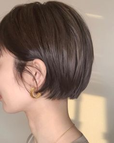 Pin on Hair Chic Short Hair, Asian Short Hair, Short Hair Cuts, Hair Inspo, Hair Inspiration, Shot Hair Styles, Hair Arrange, Mid Length Hair, Short Bob Hairstyles