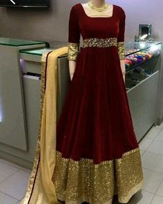 Velvet long frock is the trend of the year for this wedding season and as a winter apparel. These beautiful velvet gowns look royal and give you a queen like appearance Pakistani Gowns, Pakistani Wedding Outfits, Indian Gowns Dresses, Indian Outfits, Designer Anarkali, Designer Gowns, Indian Designer Wear, Afghan Clothes, Afghan Dresses