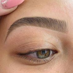 Eyebrow Trends, Lynn Williams, Perfect Brows, Body Motivation, Skin Makeup, Eyebrow Makeup, Beautiful Eyes, Best Makeup Products, Eyebrows