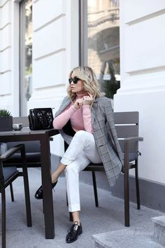 Dusty shades of pink – Postolatieva Winter Outfits Women 20s, Winter Outfits Tumblr, Winter Outfit For Teen Girls, Casual Winter Outfits, Fall Outfits, Teen Girl Fashion, Teen Fashion Outfits, Office Outfits, Pink Fashion