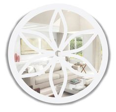 Espelho decorativo redondo, com moldura em MDF, recortado à laser com motivo floral, pintado na cor branca - Ø 90 cm - 13202 - R$ 420,00.