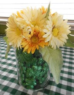 St. Patrick's Day Centerpiece (orange tone to flowers...maybe green pea in vase)