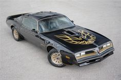 This rare Smokey and the Bandit Pontiac Trans Am crossed the Barrett-Jackson auction block, selling for over half a million dollars. Smokey And The Bandit, Pontiac Lemans, Pontiac Cars, Burt Reynolds Trans Am, 1977 Trans Am, Bandit Trans Am, Pontiac Firebird Trans Am, Firebird Car, Barrett Jackson Auction