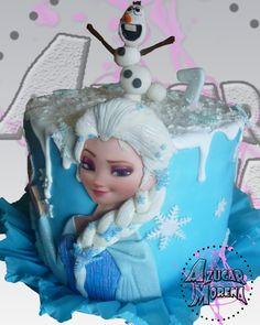 Elsa y Olaf, de la Pelicula Frozen, en un rico y delicado pastel =) ñumi ñumi