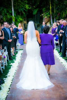 mother of the bride // two-tone shades of purple bridesmaids at a breathtaking estate in california // www.stylemybridal.com/blog