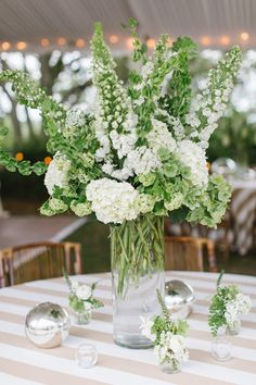 white + green centerpiece | The Willetts