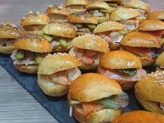 Navettes apéritives garnies - Un Délice de Cacahuètes Hamburger, Toast, Menu, Chicken, Ethnic Recipes, Food, Cooking Recipes, Jelly, Tarts