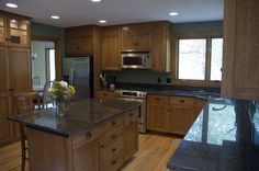 Solid Wooden Kitchen Cabinets Furniture Sets Decorating Ideas Picture