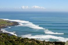 Raglan is world-famous for its long left-hand break. Discover a series of surf breaks that cater for beginners to world-class pro surfers.