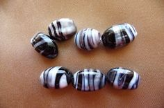 Bead Glass black and silver 12x8mm 4 sided oval by darlamarie23, $2.35