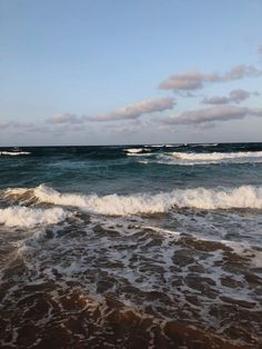 The Indian Ocean on the coast of Mozambique. A beach vacation in the Southern African country Mozambique Third World Countries, African Countries, Blue Crush, Beach Bars, Beautiful Lights, Beach Fun, Good Vibes, Beautiful Beaches