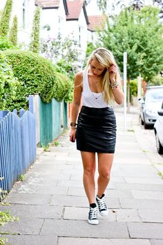 pencil skirt and converse outfit