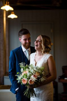 Melissa & Will - August 2016 - A gorgeous summer wedding with peach & pastel wedding flower & a vintage campervan. | Images: Richard Murgatroyd Photography