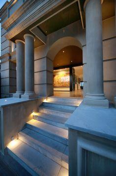 Eaglemont House, Melbourne designed by Vibe Design Group. Photography by Peter Hyatt and Jennifer Hyatt.