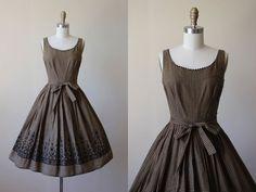 1950s Vintage años 50 vestido cacao marrón moña por jumblelaya