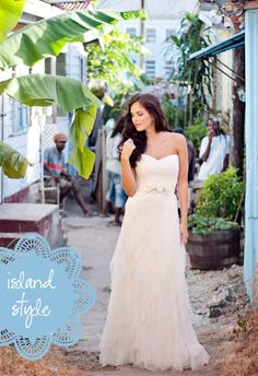 Island inspired bride. Sofie Warren photography. Leah Whitehead models.
