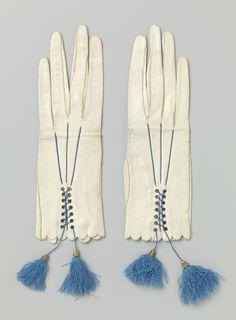 Paar kalfsleren handschoenen met kwastjes, ca. 1860