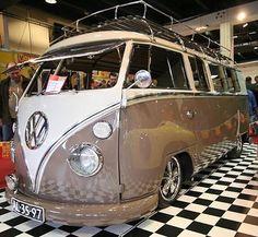 Volksworld Show (at Sandown Park Racecourse) Volkswagen Bus Camper, Volkswagen Minibus, Car Camper, Hippie Camper, Horse Racing Tips, Bus Girl, Cool Campers, Car Engine, Van
