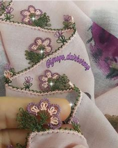 Textiles, Filet Crochet, 3 D, Diy And Crafts, Coin Purse, Lace, Anime, Herbs, Sewing Techniques