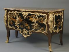A Very Fine Louis XV Style Gilt-Bronze Mounted Lacquer Commode France 1900