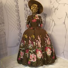 """A costume designe d by Terry Dresbach for season 2 of the Starz series """"Outlander. Outlander Claire, Outlander Season 2, Costume Paris, Costume Dress, Costumes Outlander, Outlander Clothing, Cage Skirt, Terry Dresbach, Vintage Outfits"""