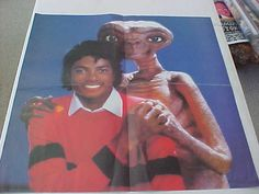 """intage 1982 Michael Jackson and ET Extra-Terrestial Licensed Movie Album Color Poster 22"""" x 22"""" Rare Decor Wall Hanger"""